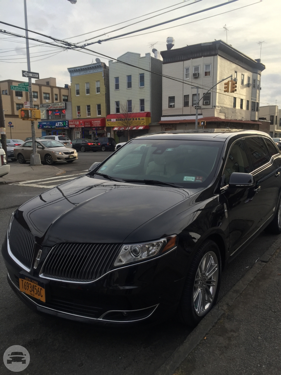 Lincoln MKT Sedan /    / Hourly HKD 0.00