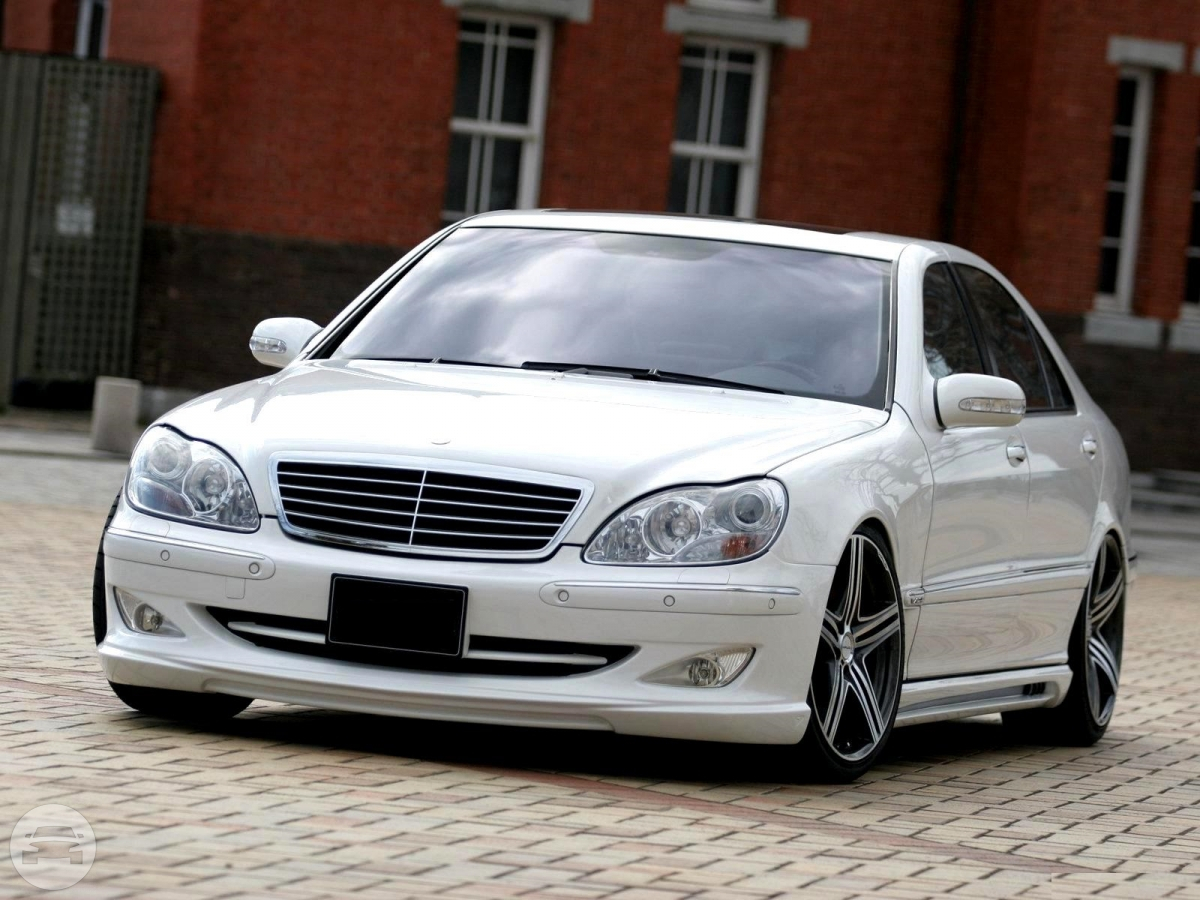 BENZ W220 (White) Sedan  / Central And Western District, Hong Kong   / Hourly HKD 0.00