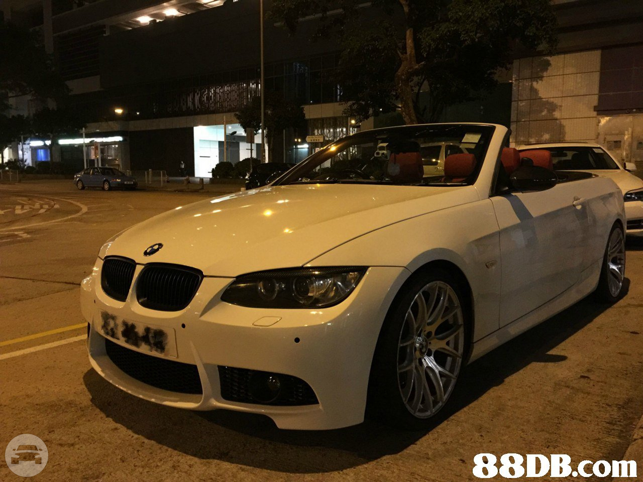 BMW 325i Sedan  / Hong Kong Island, Hong Kong   / Hourly HKD 0.00