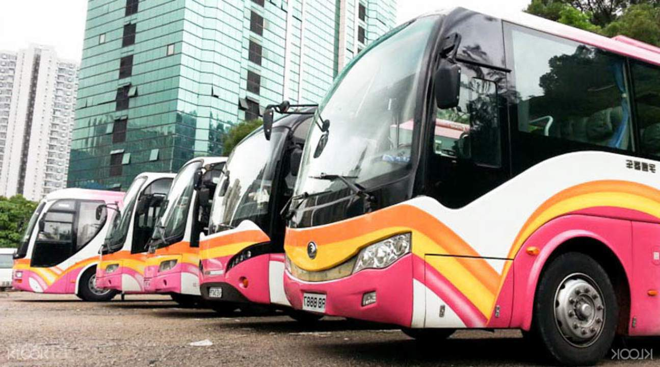 Luxury Bus Coach Bus  / Kowloon, Hong Kong   / Hourly HKD 1,940.00