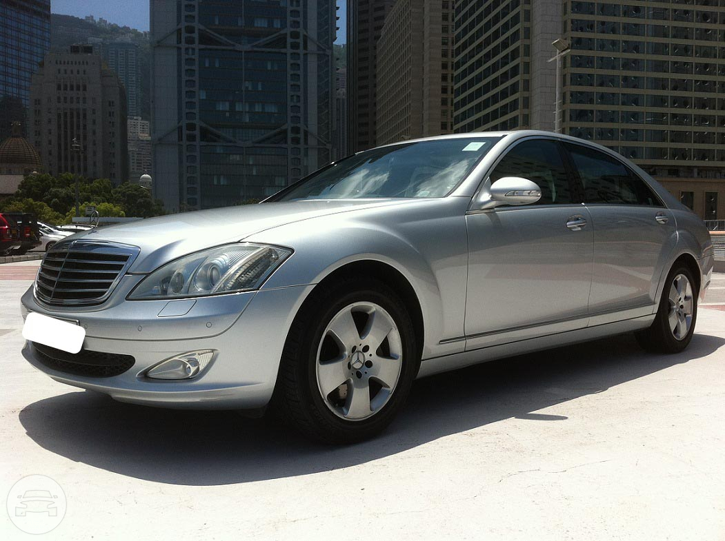 Mercedes Benz S350L Sedan  / Hong Kong Island, Hong Kong   / Hourly HKD 800.00  / Airport Transfer HKD 1,300.00