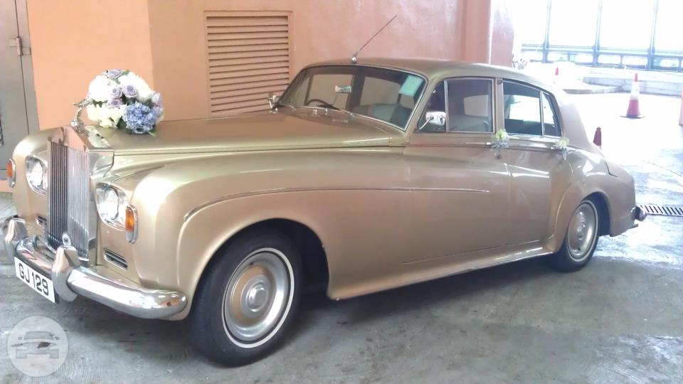 CLASSIC SILVER CLOUD III - GOLD Sedan  / Hong Kong Island, Hong Kong   / Hourly HKD 2,999.00