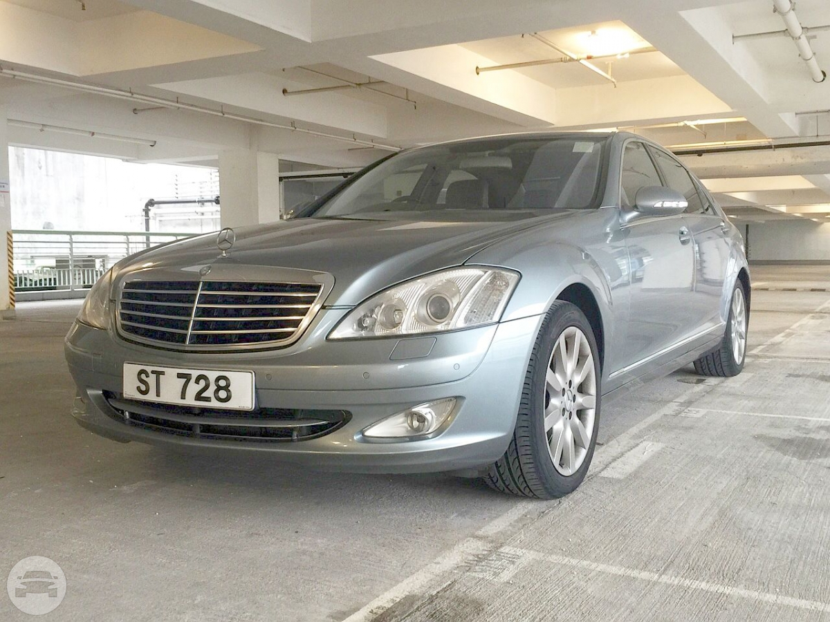 Deluxe Mercedes Benz S350L - Silver Sedan  / Kowloon, Hong Kong   / Hourly HKD 0.00