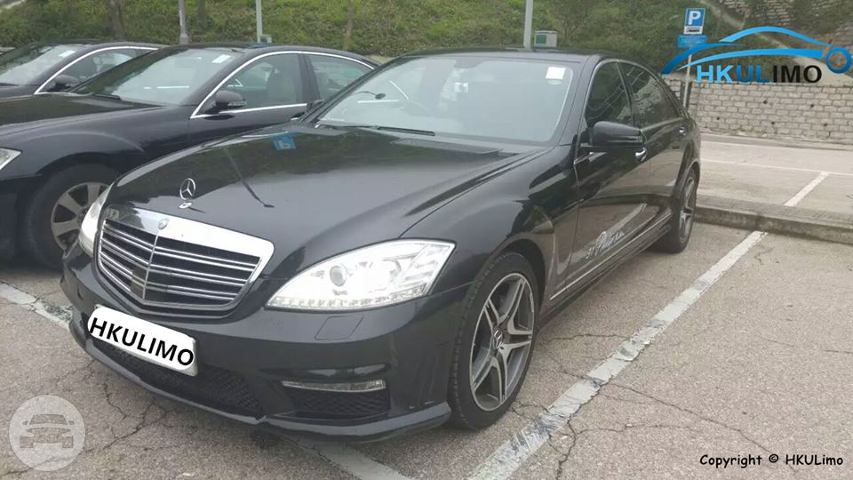 Mercedes Benz Sedan / Tai Po District, Hong Kong   / Hourly HKD 0.00