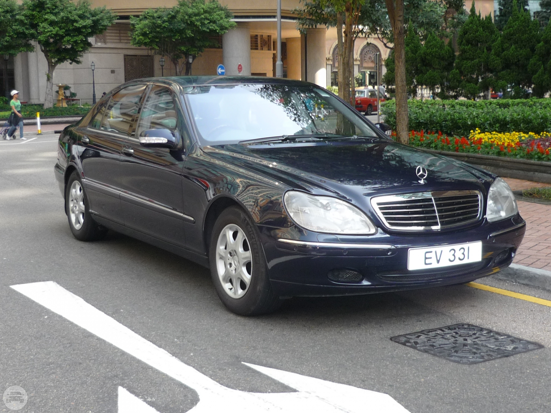 Mercedes Benz S320L - Dark Blue Sedan / New Territories, Hong Kong   / Hourly HKD 550.00  / Airport Transfer HKD 1,000.00