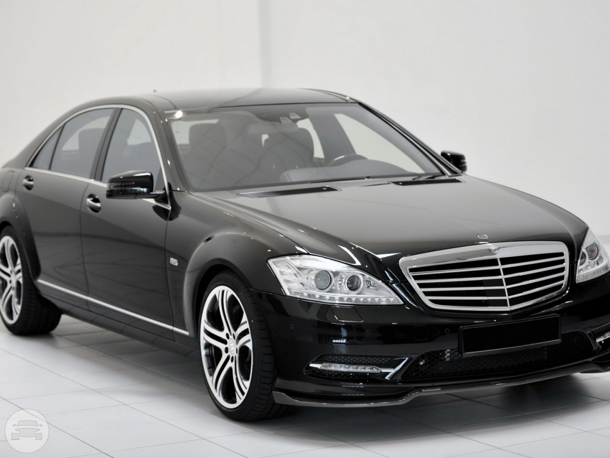 MERCEDES BENZ S CLASS W221 Sedan / New Territories, Hong Kong   / Hourly HKD 0.00