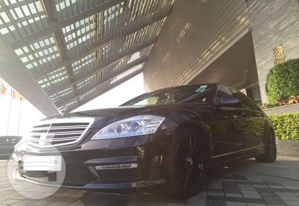 Mercedes Benz 4 Sedan / Hong Kong Island, Hong Kong   / Hourly HKD 0.00